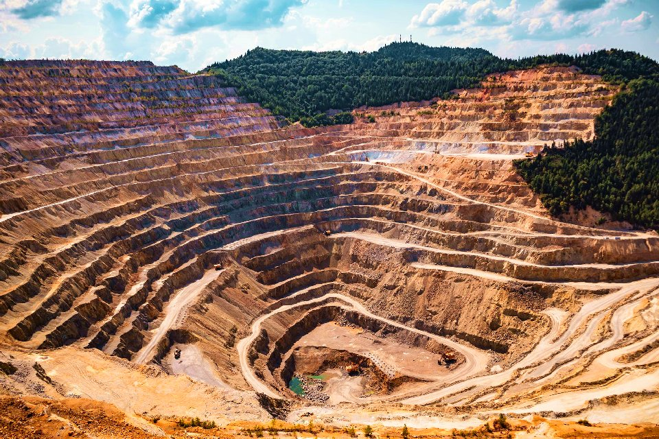 Increasing Mine Safety Through Management and Tracking Software