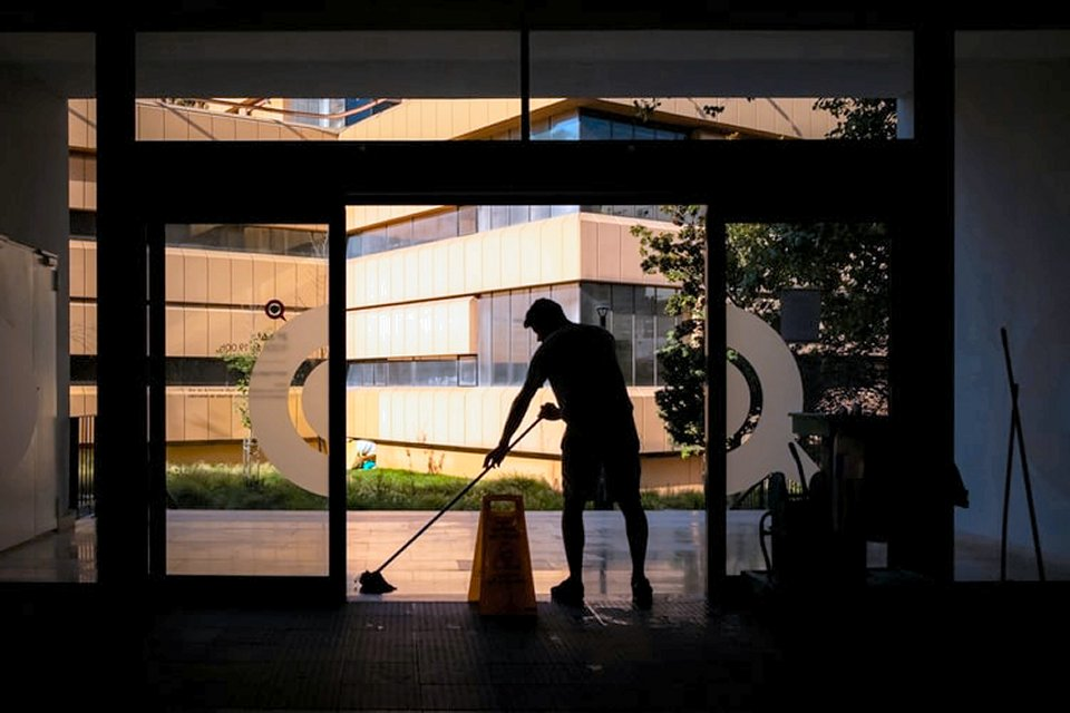 Employee tracking saves cleaning company money