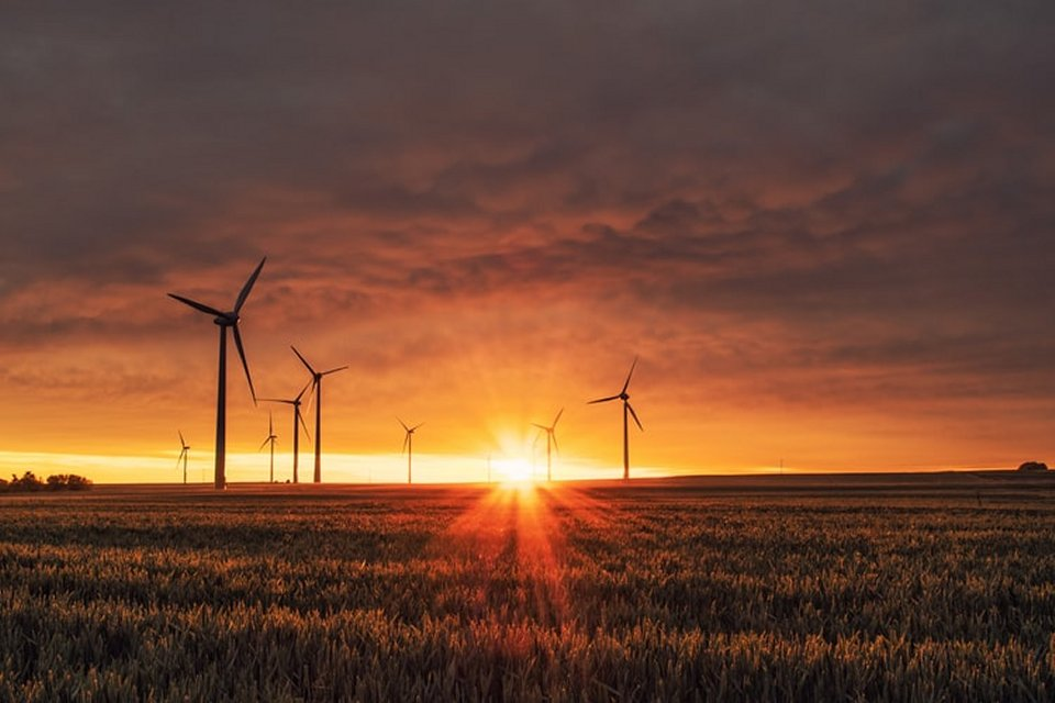 How Attendance Tracking Can Improve the Renewables Industry